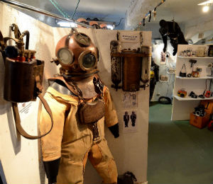 The Progression of the Diving Suit