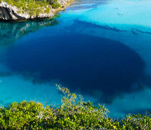 Diving The Lost Blue Hole of Bahamas